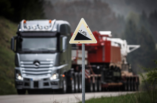 Mercedes-Benz heavy truck 2014 May sales